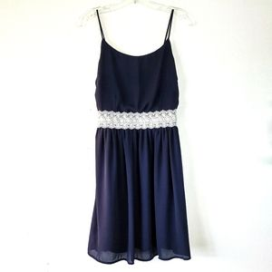Fin & Clover Navy Crepe Strappy Dress M